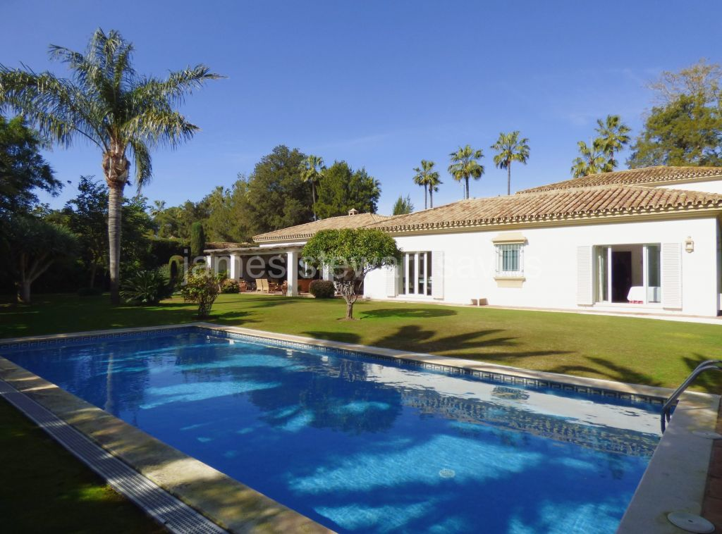Sotogrande, Extremely charming Andaluz style villa in the heart of the Kings and Queens