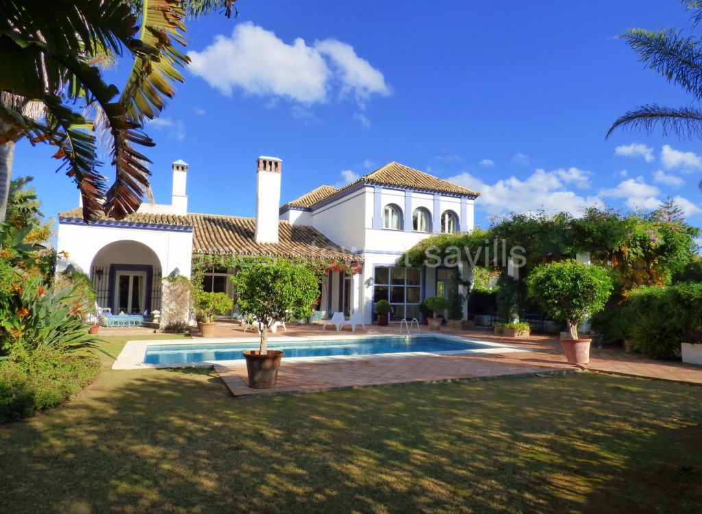 Sotogrande, Characterful villa in the upper area of Sotogrande Costa
