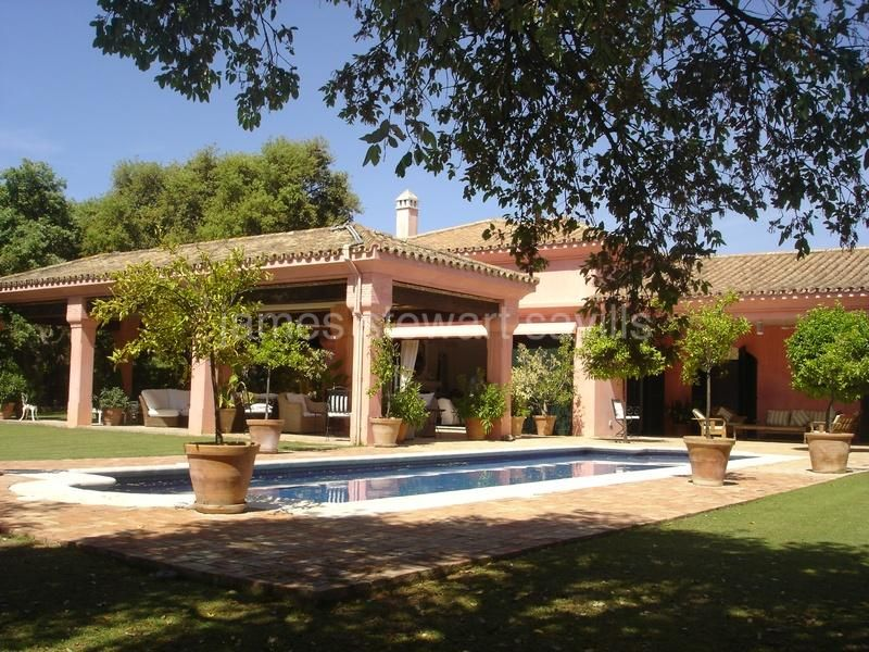 Sotogrande, VILLA IN VALDERRAMA AREA.