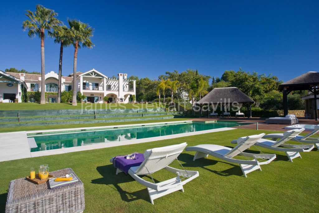 Sotogrande, Beautiful cortijo style villa with a Provençal feel