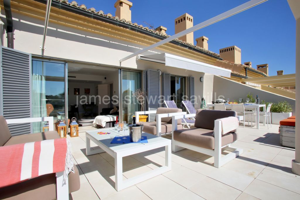Sotogrande, Extremely nice penthouse in Sotogrande marina with optional 12m berth