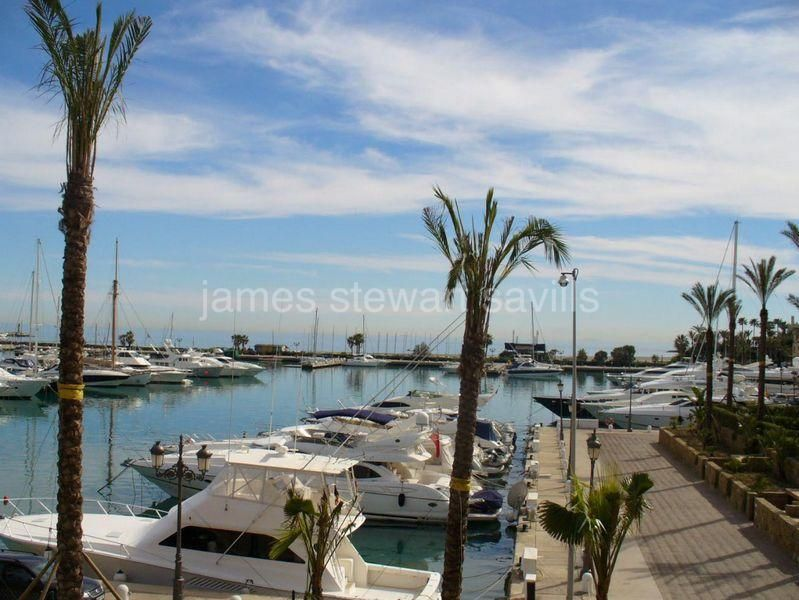 Apartment for sale in Sotogrande Puerto Deportivo - Sotogrande Apartment