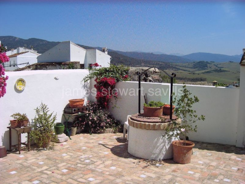 Jimena de La Frontera, Spacious village house in the white pueblo of Jimena de la Frontera