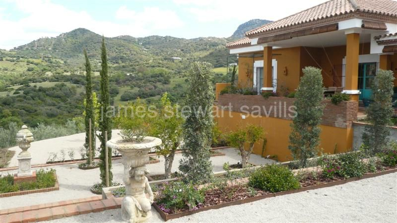 Gaucin, Truly magnificent large country house set in wonderful land 10 minutes below the white village of Gaucin.