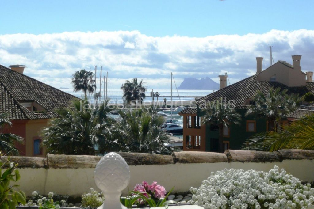 Sotogrande, Lovely penthouse in the heart of Sotogrande port