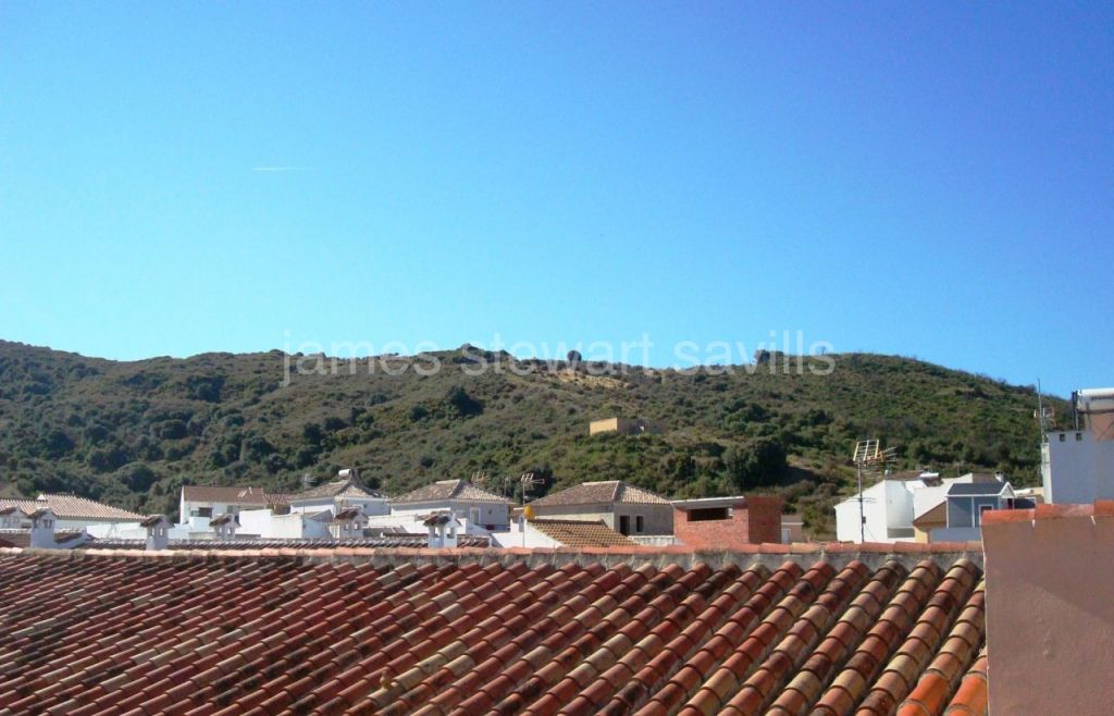 Secadero, Spacious terrace house in the quiet village of Secadero