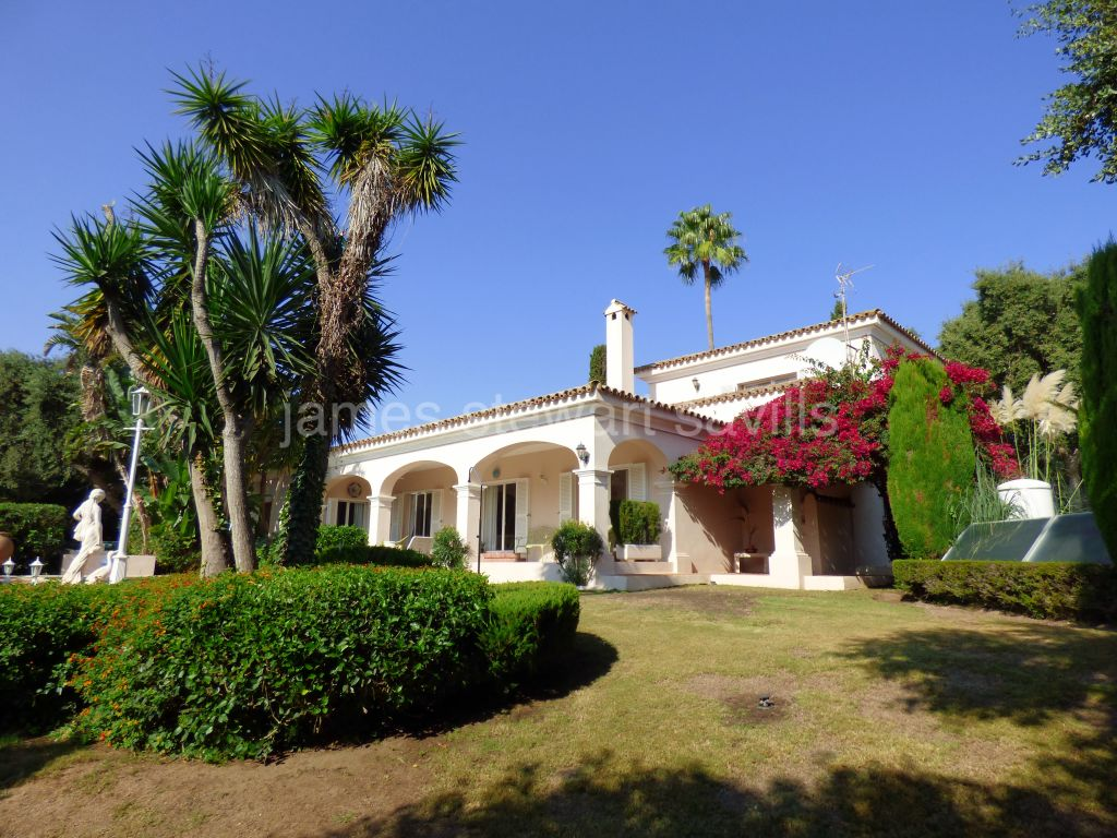 Sotogrande, Immaculate and comfortable villa in Sotogrande Costa