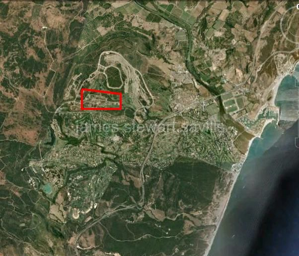 Sotogrande, A south-east facing plot in La Reserva of 2475 m2