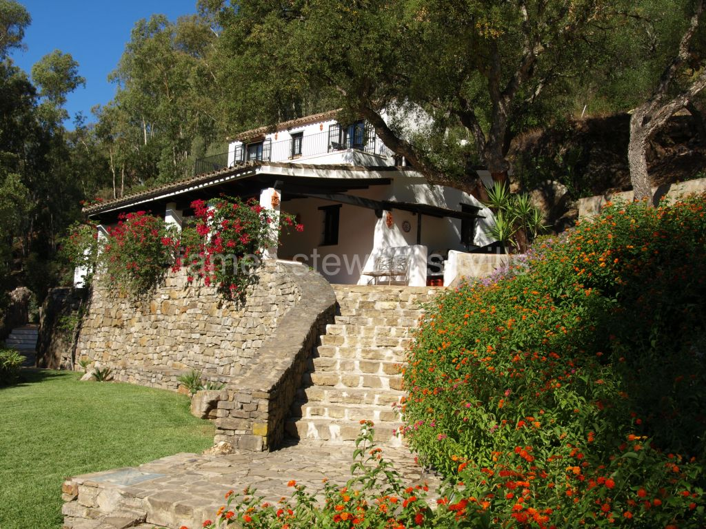 Jimena de La Frontera, Wonderful country house in National park. Completely private yet close to the white village of Jimena de la Frontera