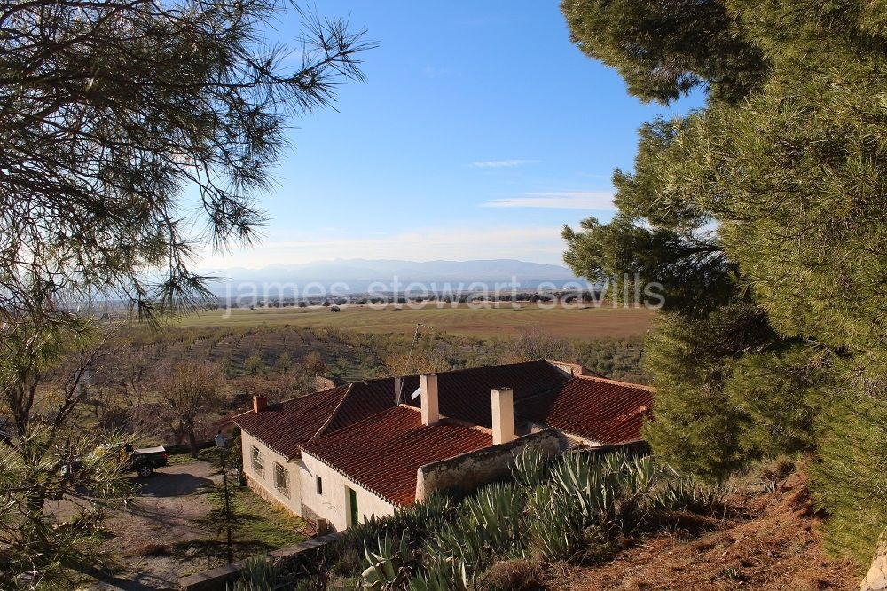 Guadix, Wonderful hunting estate close to the Sierra Nevada ski slopes