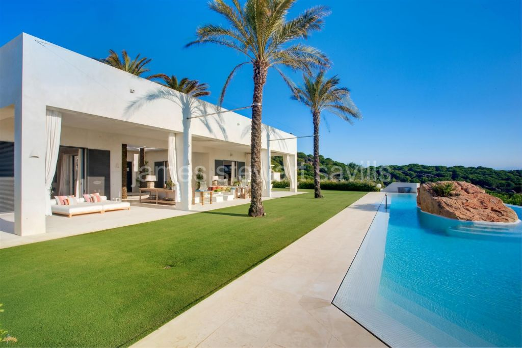 Sotogrande, A stunning contemporary style villa on the highest point of Sotogrande Alto