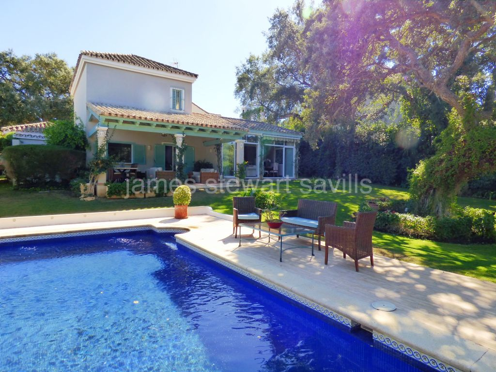 Sotogrande, Traditional Spanish style house with lovely garden in Sotogrande Alto