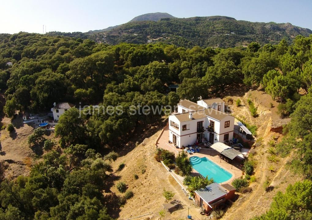 Casares, Wonderful country house set in the mountains near Casares