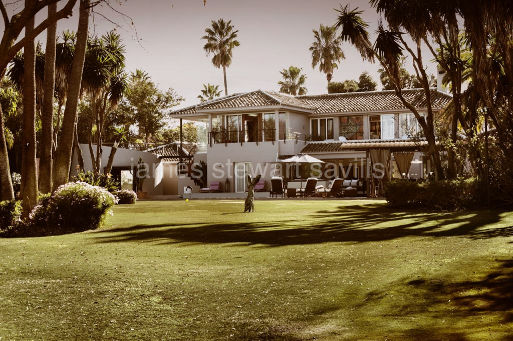 Sotogrande, Unrivalled river front location in Sotogrande Costa