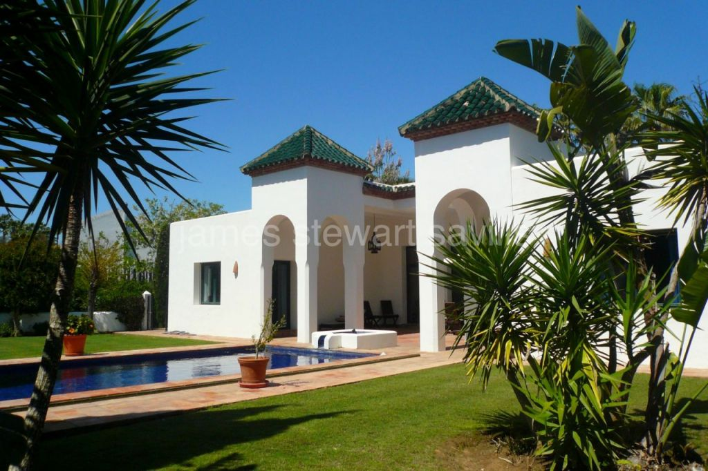 Sotogrande, Charming Moorish style single storey villa in Sotogrande Alto