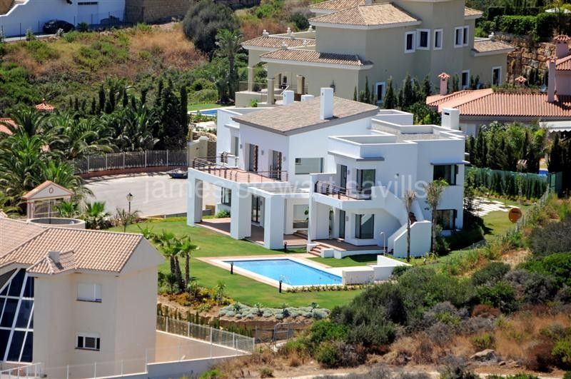 Villa for sale in Alcaidesa - Alcaidesa Villa