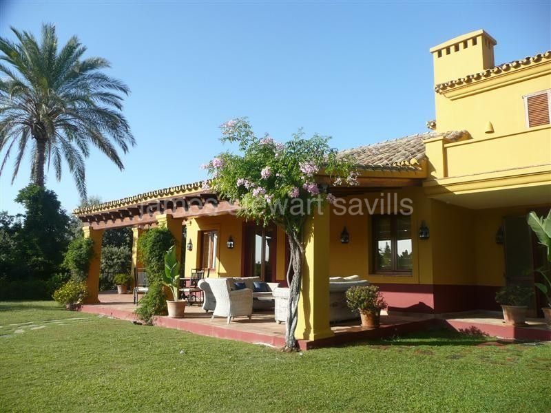 Sotogrande, Ideal family house with great view over Valderrama Golf course