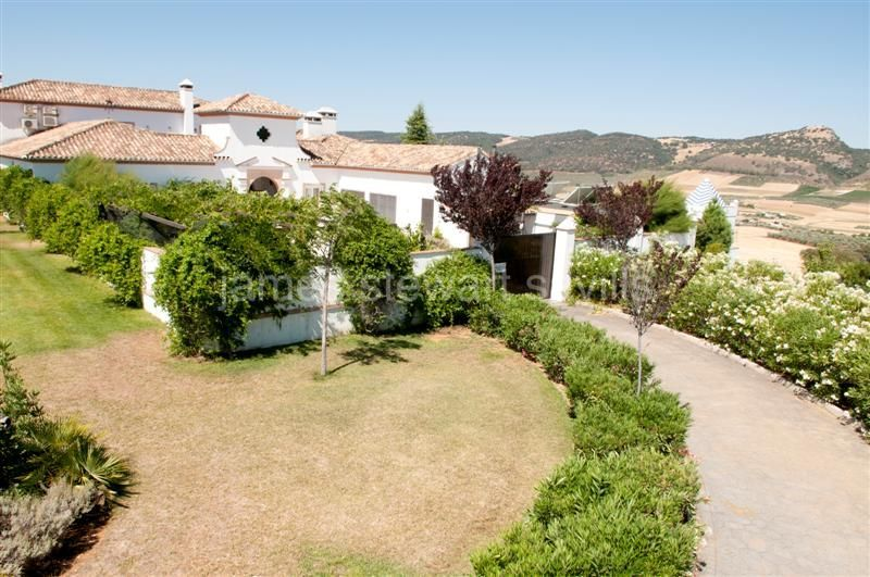 Arriate, Magnificent country house in a wonderful setting about 7k from the historic town of Ronda