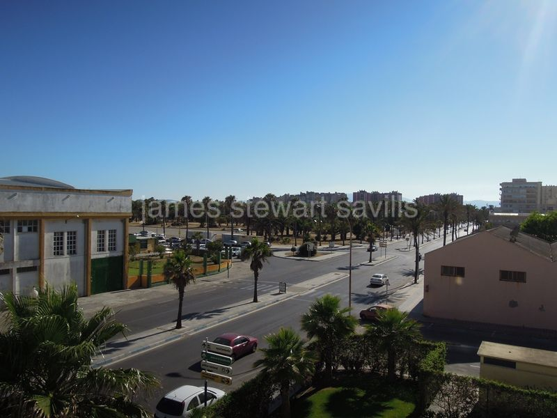 Apartment for sale in La Linea de la Concepcion - La Linea de la Concepcion Apartment