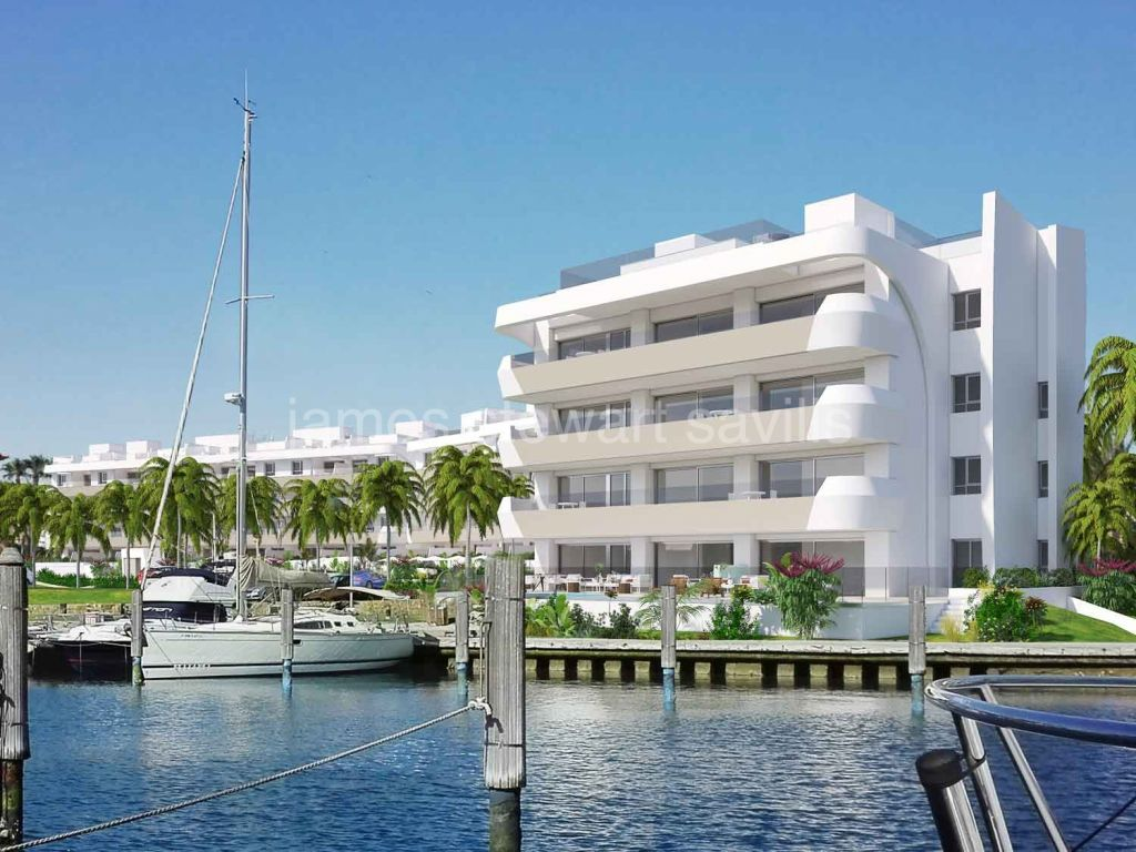 Sotogrande, Off-plan waterfront luxury first floor apartment - completion July 2022