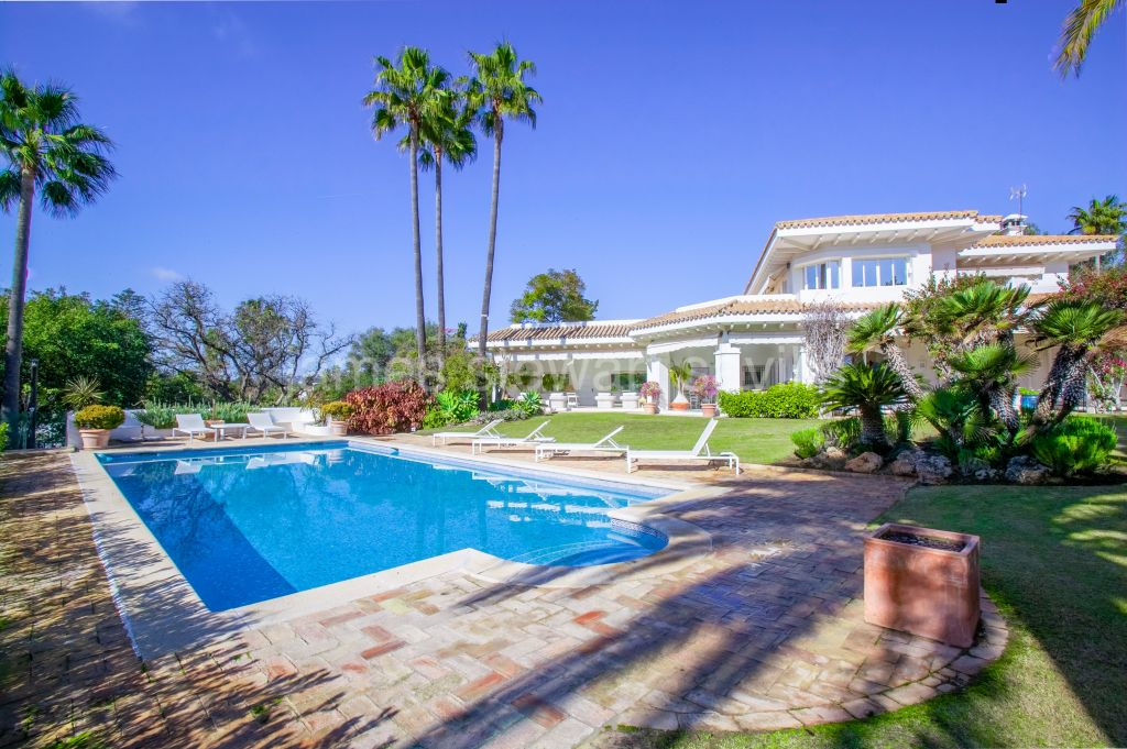 Sotogrande, Charming Cortjio style villa which is an elegant home with a wonderful outdoor area