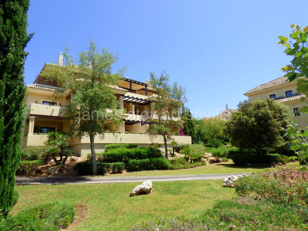 Sotogrande, _Beautifully presented Duplex penthouse in Valgrande