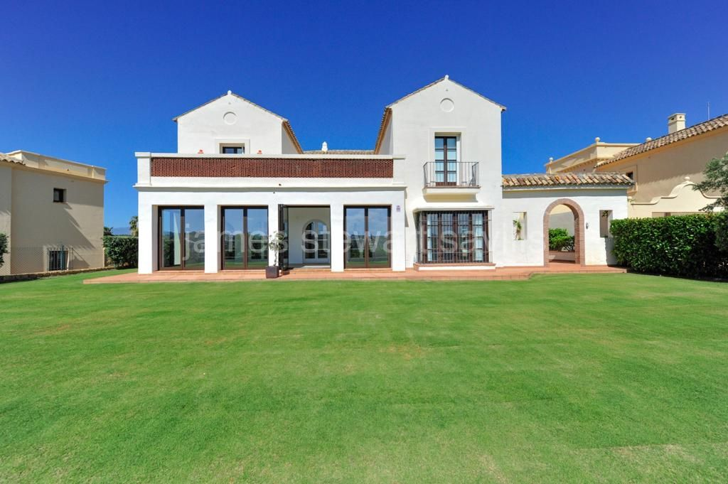 Sotogrande, A superb family home in La Reserva