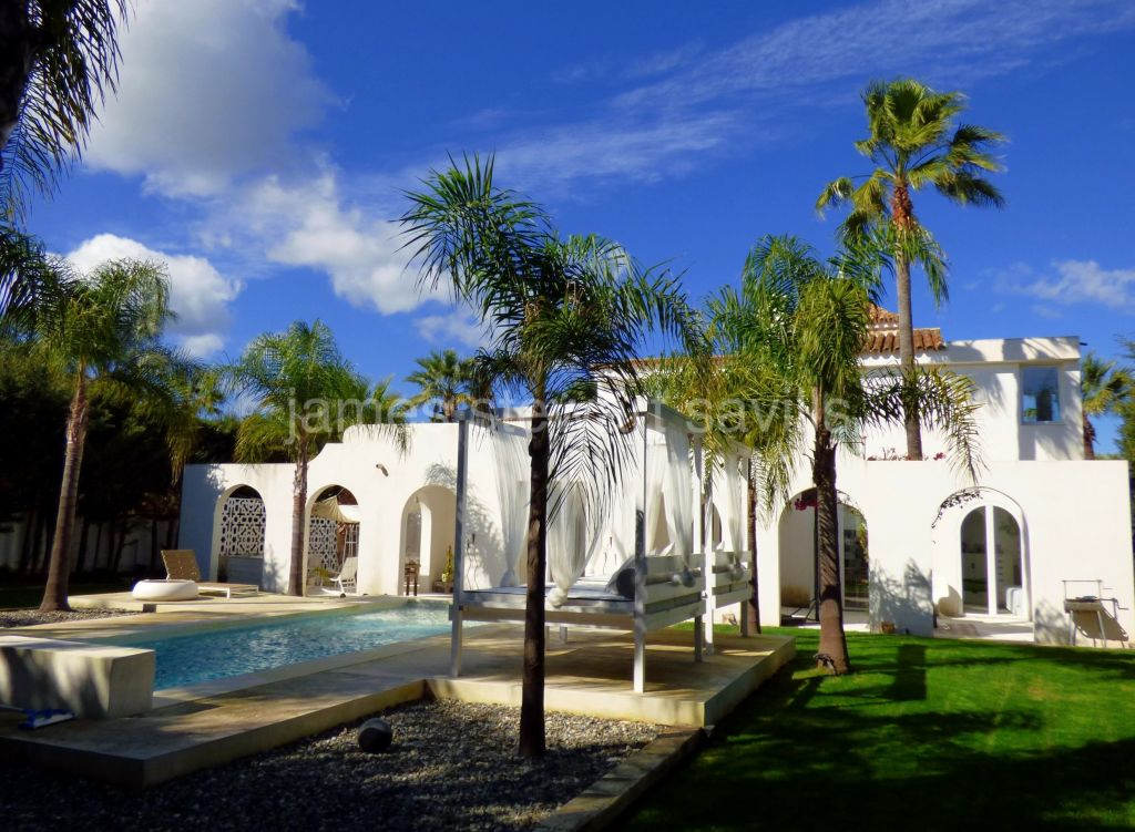 Sotogrande, Wonderfully charming moorish style villa with attention to detail