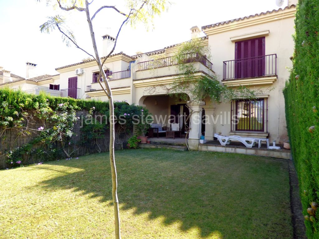 Sotogrande, Townhouse in the ever popular El Casar area of Sotogrande Costa
