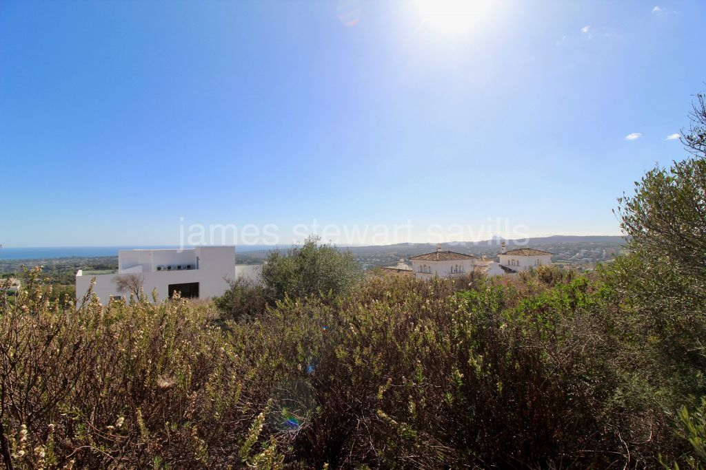 Sotogrande, Plot with project on the highest area of La Reserva with fabulous views