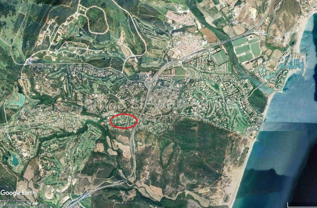 Sotogrande, Very large 15,000 m2 plot in one of the most desirable streets of central Sotogrande