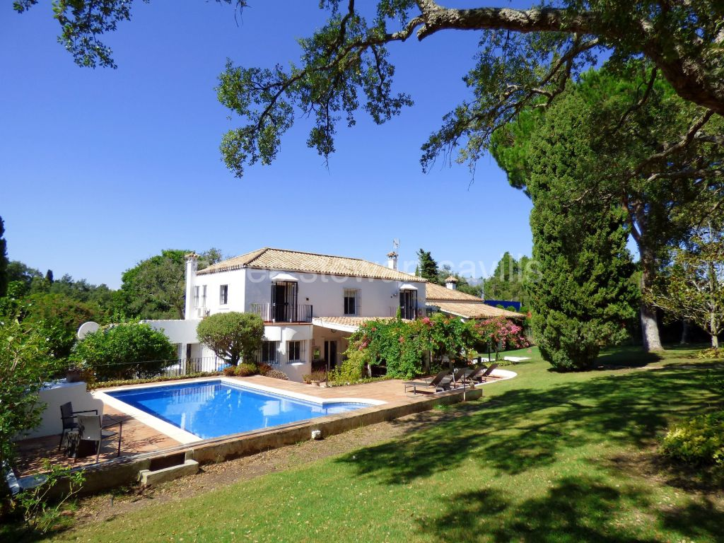 Sotogrande, Very charming Spanish style villa in the A zone of Sotogrande