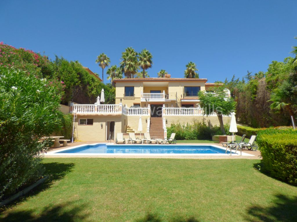 Sotogrande, Excellent 5/6 bedroom villa ideal for entertaining and guests
