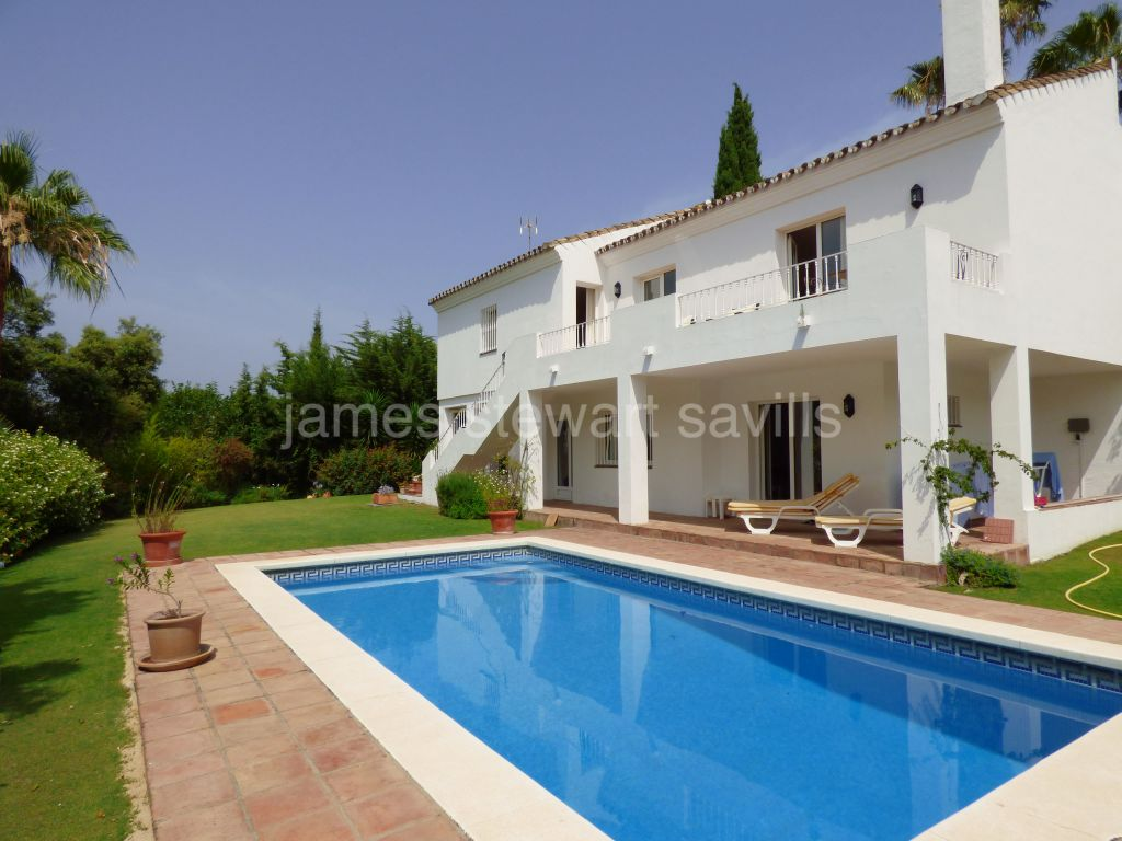 Sotogrande, 3 bedroom villa facing a green zone