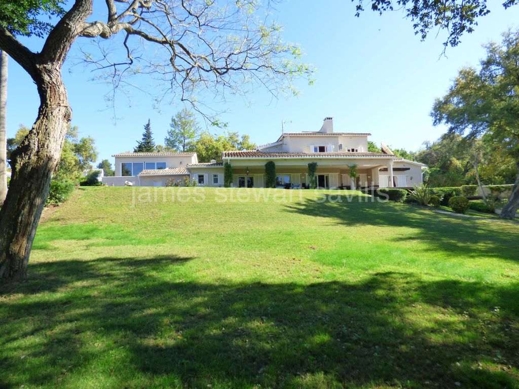 Sotogrande, 5 bedroom villa set in a small park of beautiful cork oaks of over 5000m2