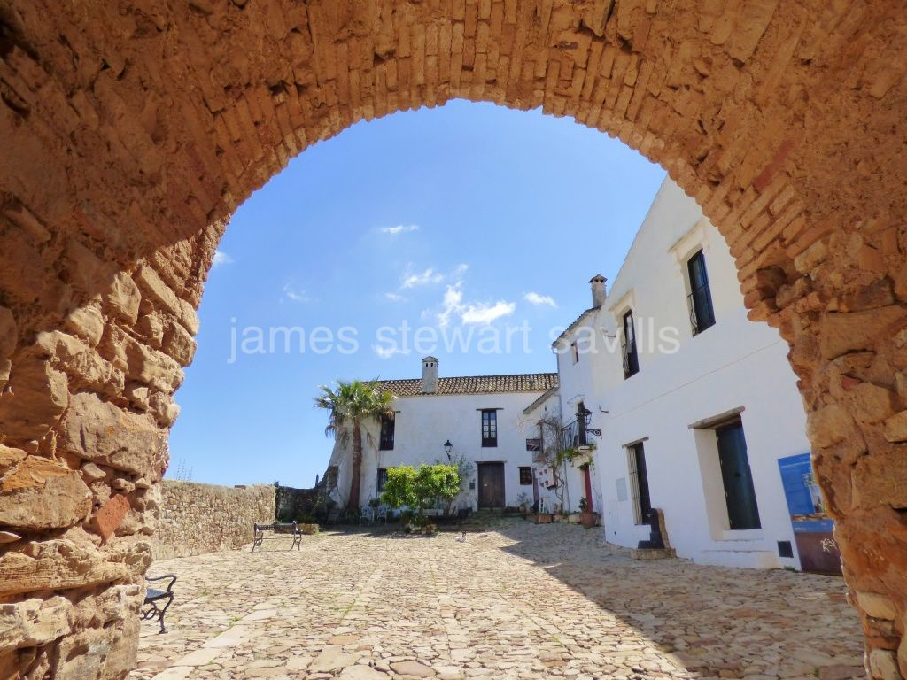 Castellar de la Frontera, Fabulous quaint village house within castle walls