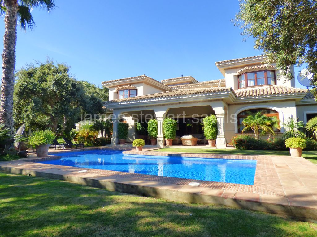 Sotogrande, Extremely private villa frontline to Real Valderrama golf course
