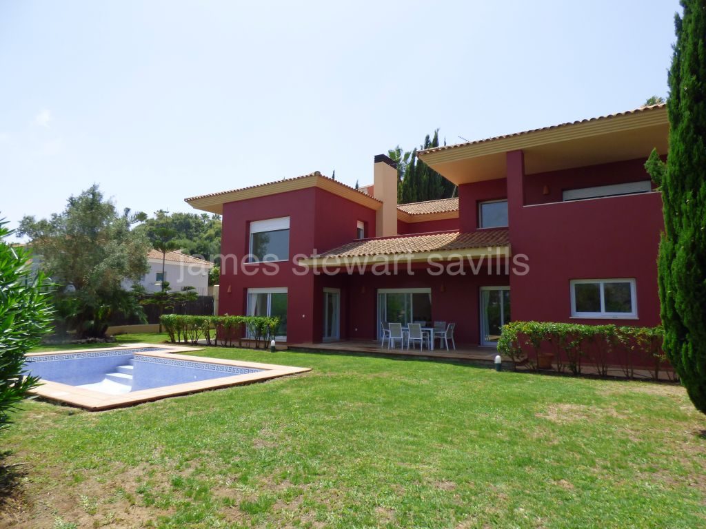Sotogrande, A very spacious villa in a quiet location of Sotogrande Alto