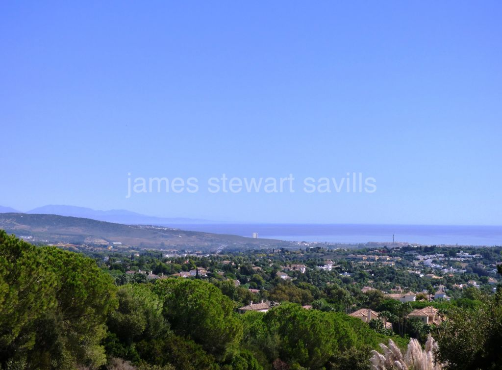 Sotogrande, Project for completion (structure is complete) with amazing sea views