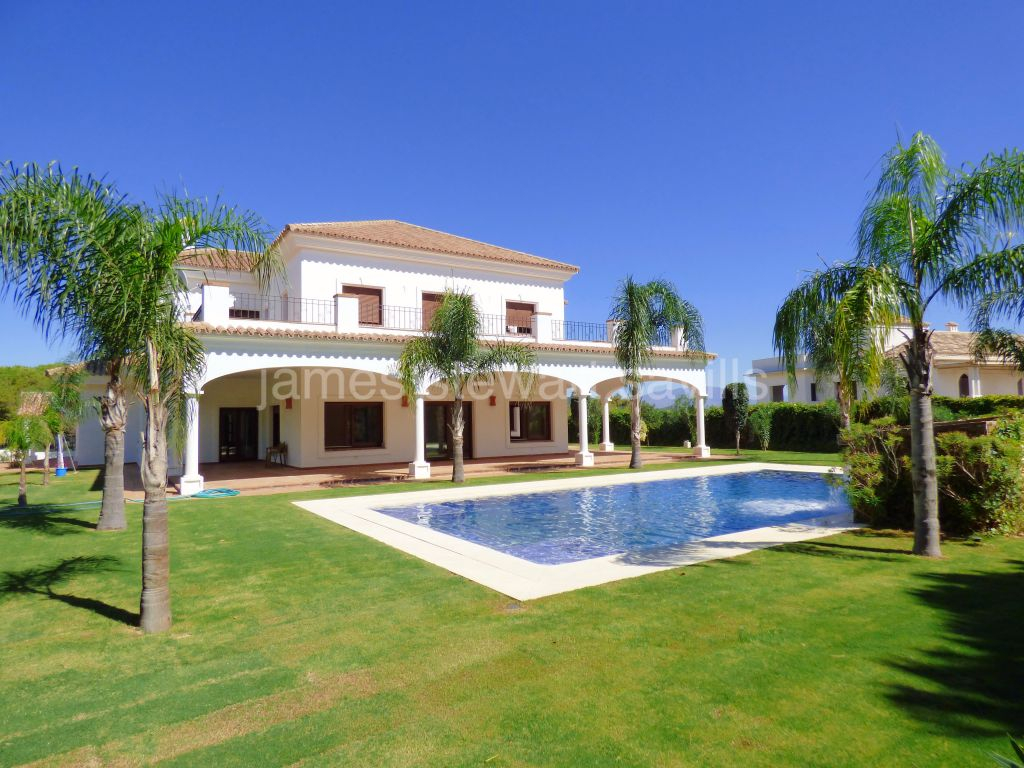Sotogrande, Brand new villa in the Almenara area of Sotogrande with stunning Seaviews