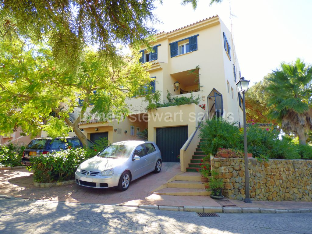Sotogrande, 3 storey Semi detached house in a lovely tranquil location within Sotogrande