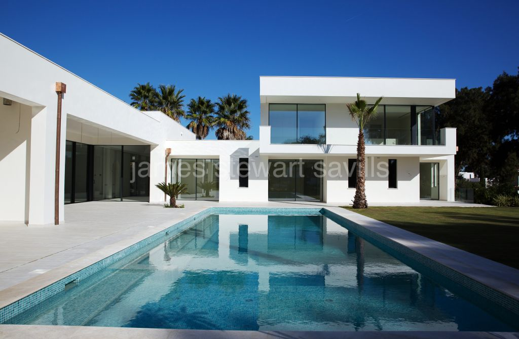 Sotogrande, Recently completed contemporary style villa in the polo area of Sotogrande Costa