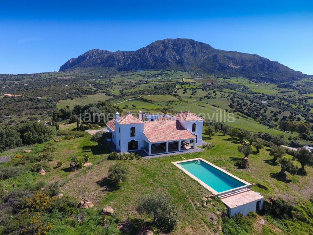 Casares, An exceptional cortijo style villa with panoramic views