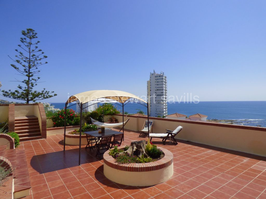 Sotogrande, Spacious single storey villa with fabulous sea views and guest apartment