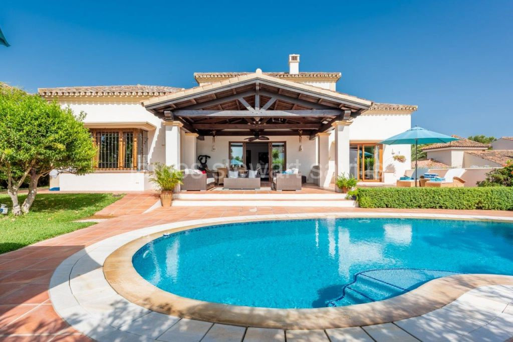 Sotogrande, An excellent quality villa in an established quiet area of upper Sotogrande Costa