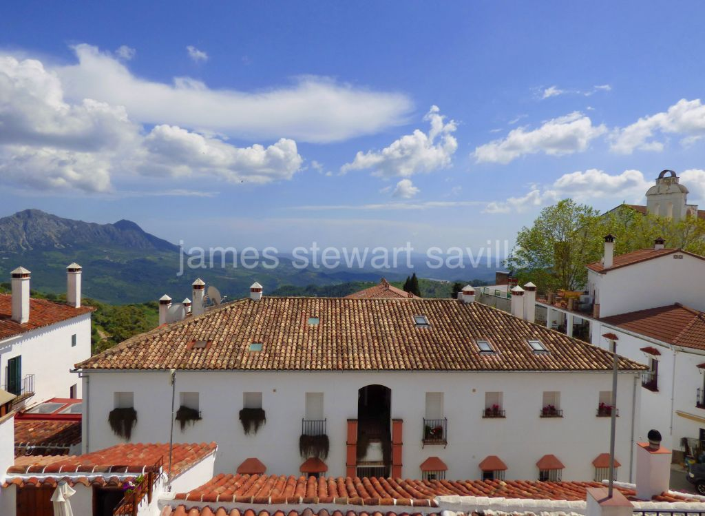 Gaucin, Village house in Gaucin with magnificent views./