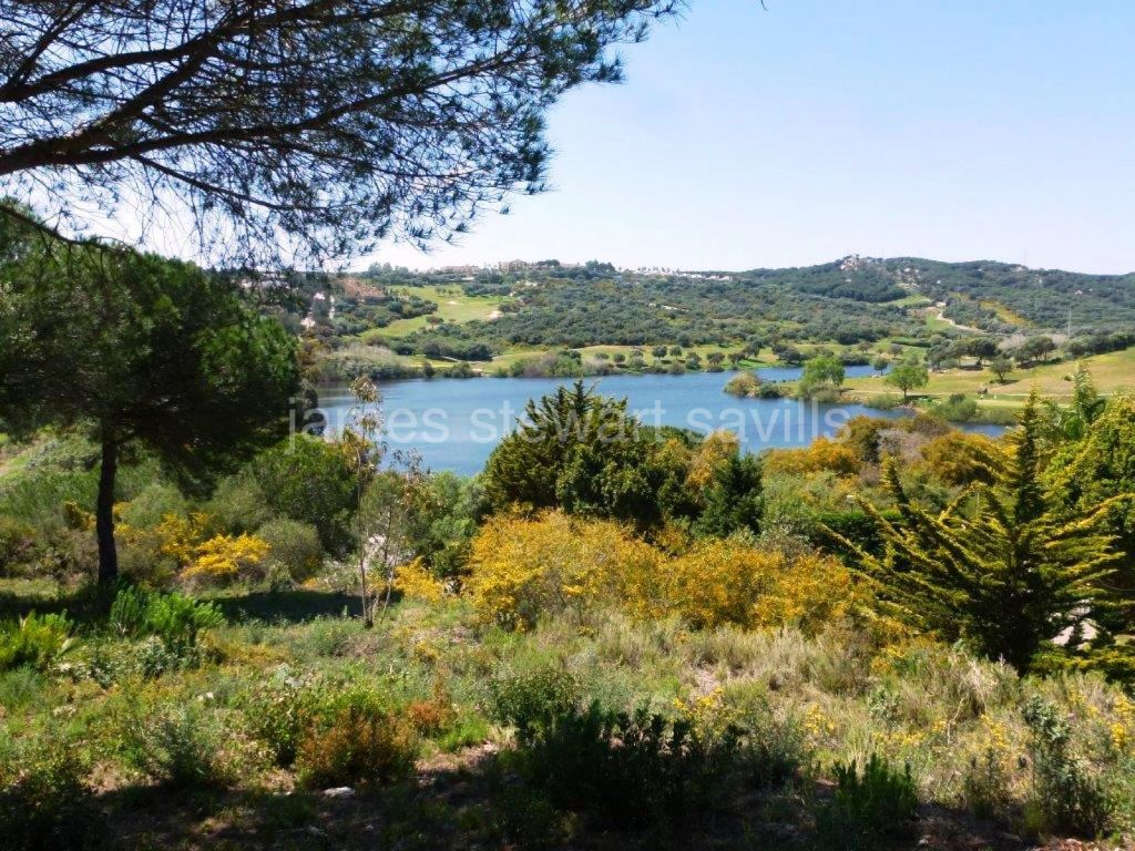 Sotogrande, South facing plot with Almenara golf views very close to the International School