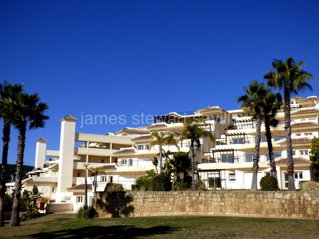 San Roque, 3 bed / 3 bath first floor apartment in the San Roque Golf Resort