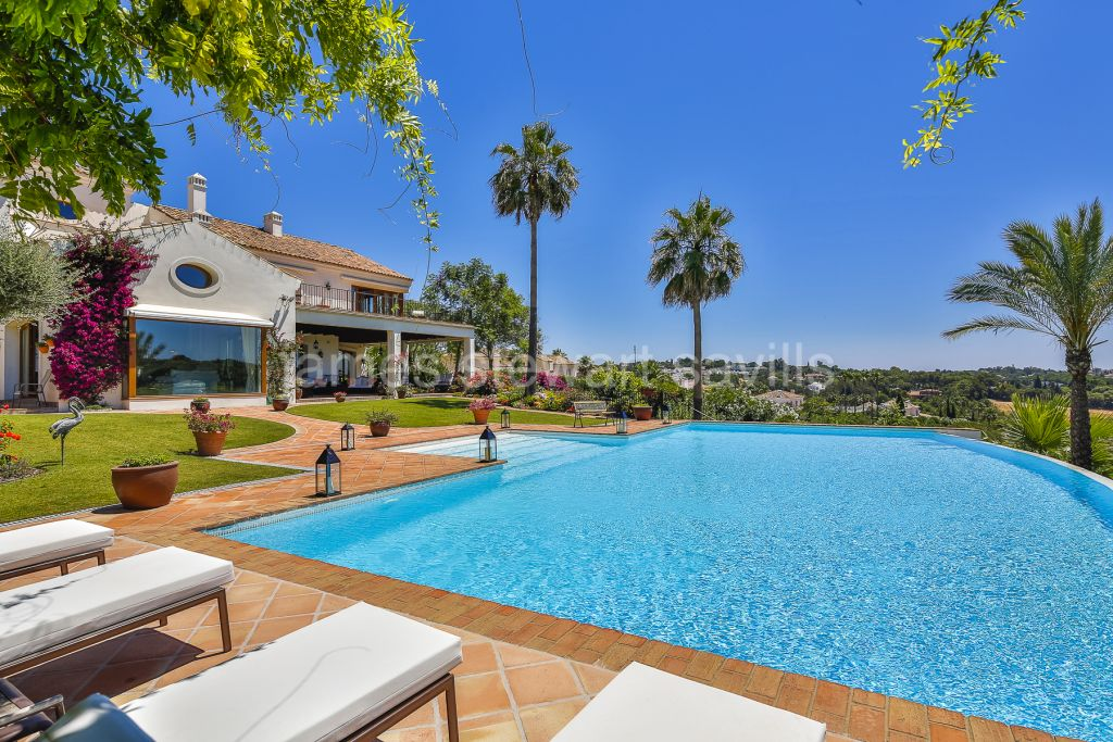 Sotogrande, A truly exceptional villa with stunning Sea and golf views with adjoining plot available