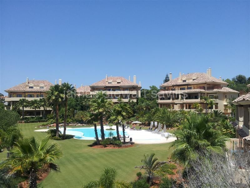 Sotogrande, Valgrande - 4 bedroom apartment on a single floor